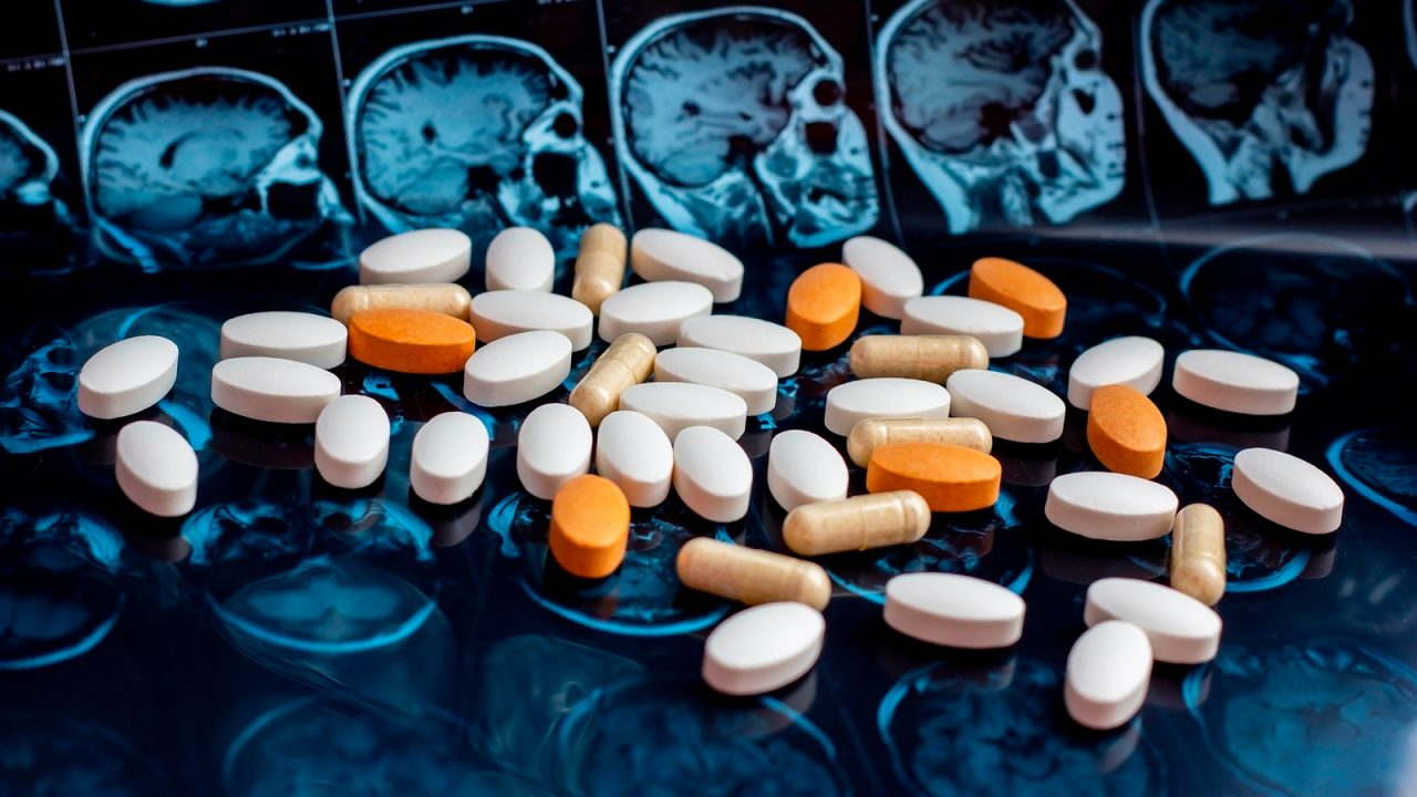 https://strugglingwithaddiction.com/wp-content/uploads/2019/10/How-Drugs-Alter-the-Brain-1280x720.jpg