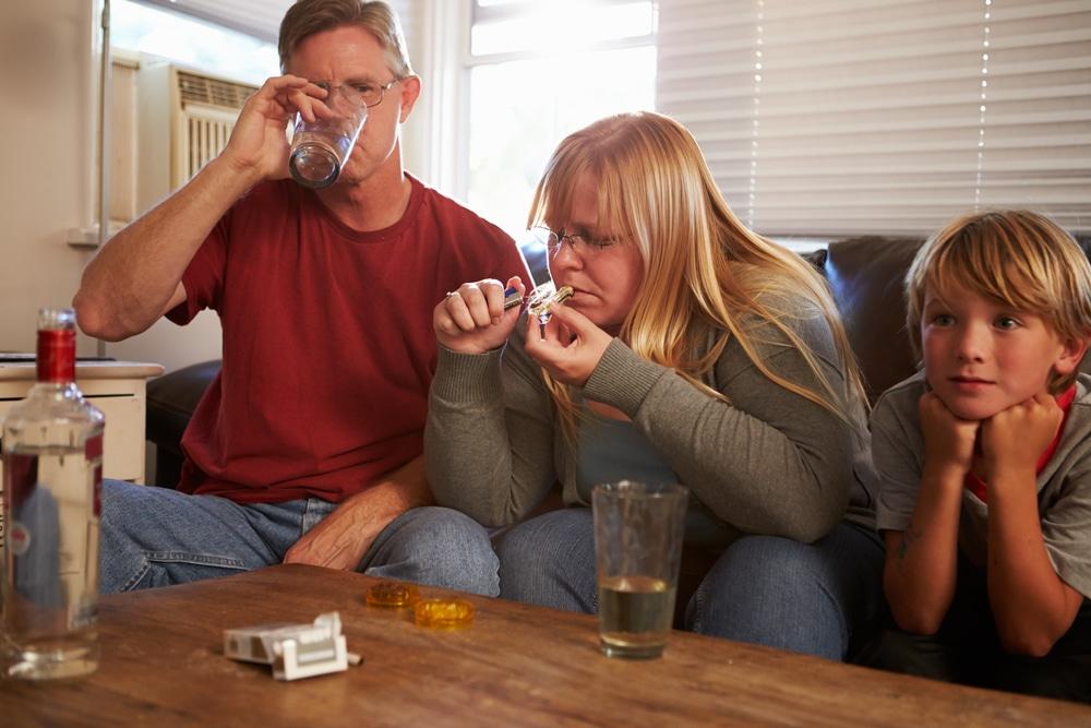 family-history-drug-addiction-genetic-disorder-genes-rehabilitation