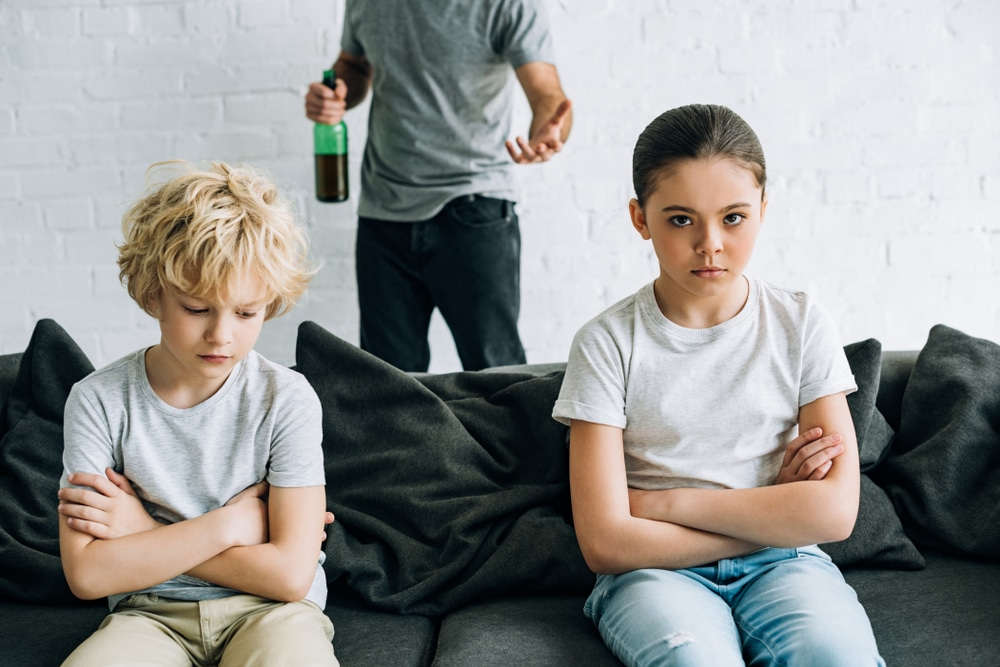 siblings-dealing-with-addiction-in-family-life-childhood-trauma-drug-rehab-therapy-recovery